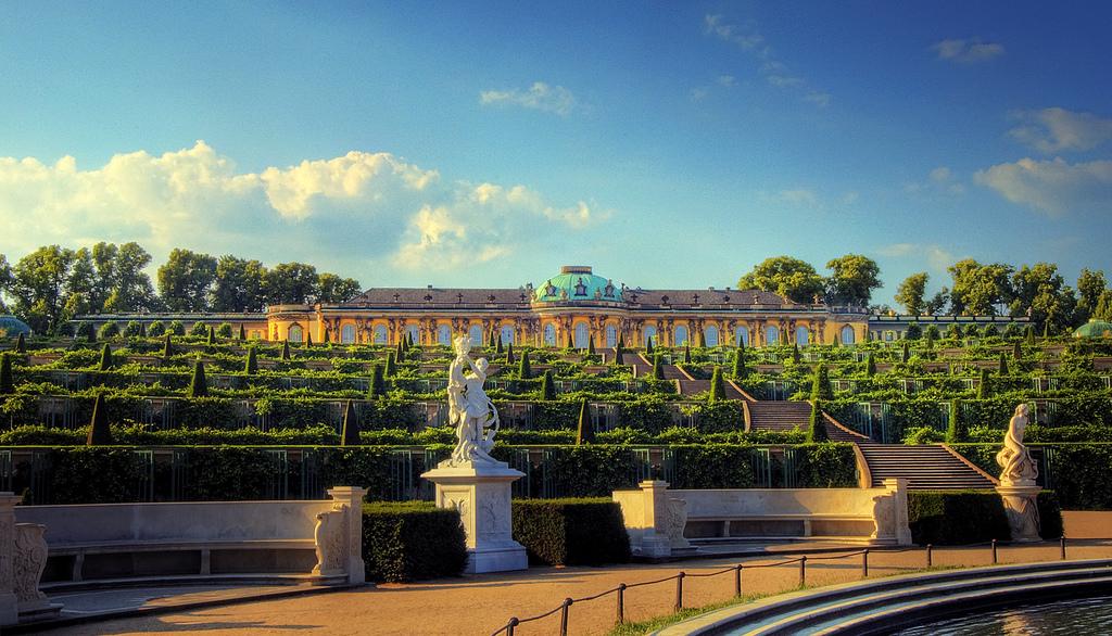 Potsdam Schloss Sanssouci, autor:  Wolfgang Staudt - flickr.com
