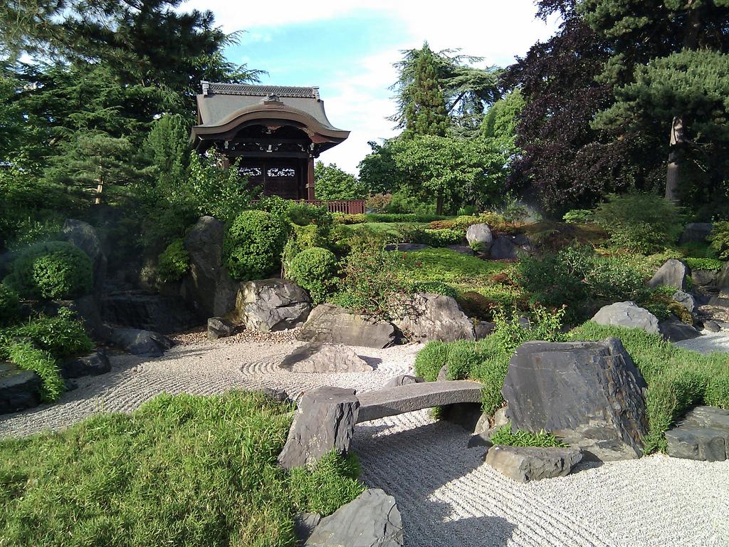 japonské zahradě - foto:  Jon Colverson